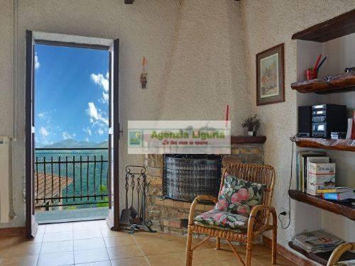 Appartamento in vendita a Perinaldo, 3 locali, prezzo € 110.000   CambioCasa.it