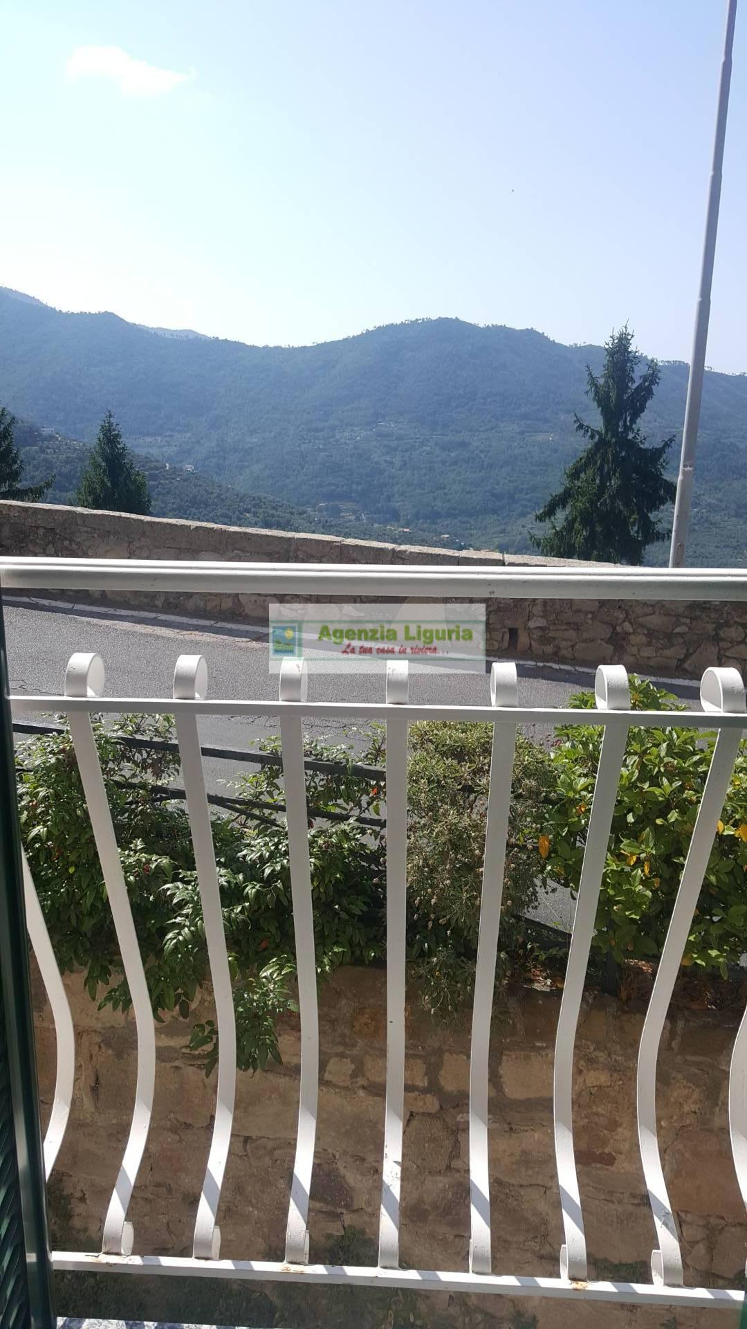 Appartamento in vendita a Perinaldo, 4 locali, prezzo € 145.000 | PortaleAgenzieImmobiliari.it