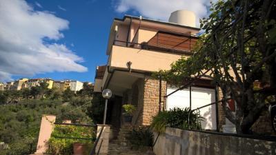 Villa in Vendita a Perinaldo