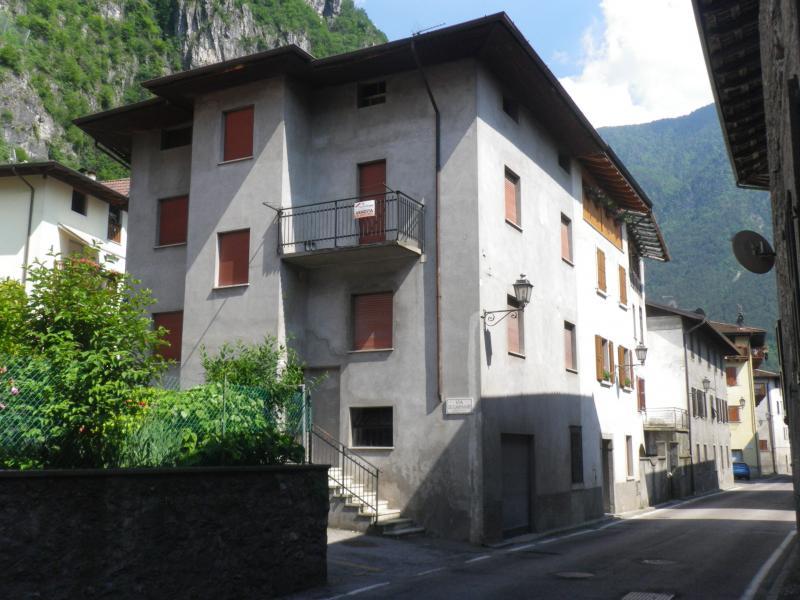 Casa indipendente in vendita storo id 16094 - Altezza alberi giardino privato condominio ...