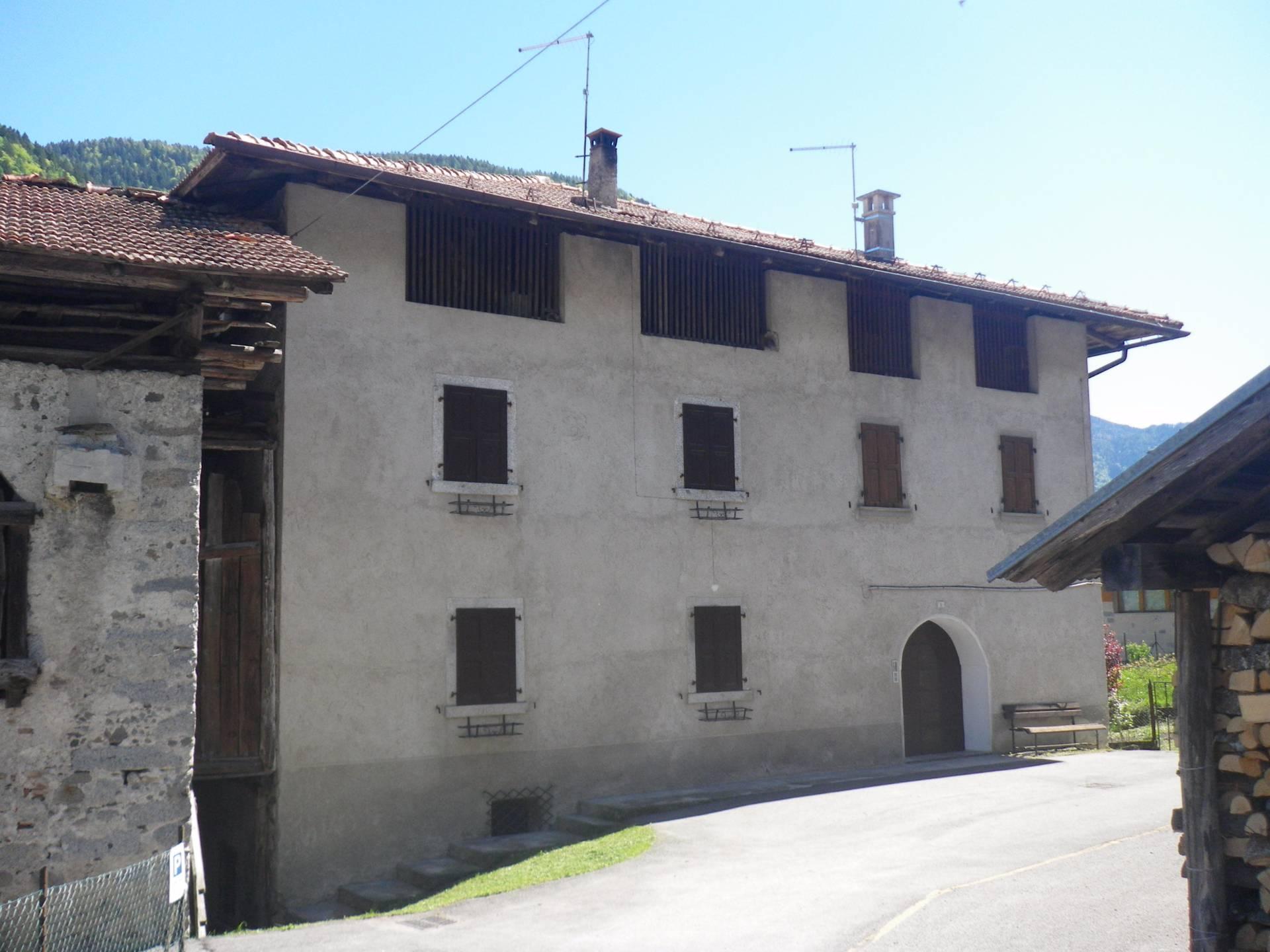 Appartamento in affitto a Villa Rendena, 4 locali, zona Zona: Verdesìna, prezzo € 400 | CambioCasa.it