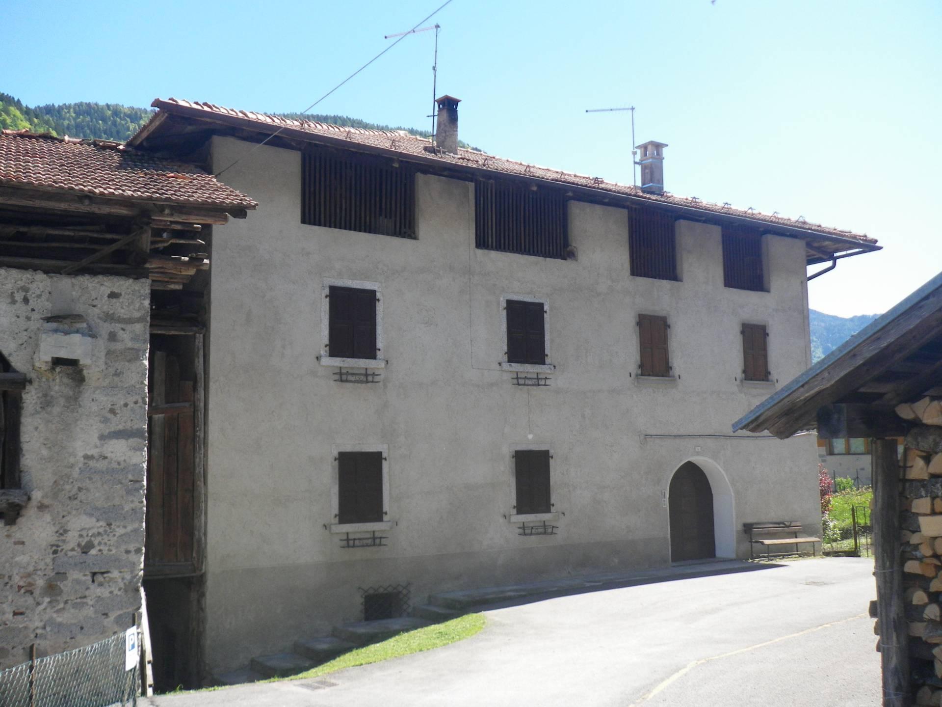 Appartamento in affitto a Villa Rendena, 2 locali, zona Zona: Verdesìna, prezzo € 280 | CambioCasa.it