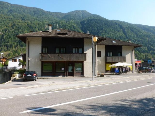 Negozio / Locale in vendita a Spiazzo, 2 locali, zona Zona: Mortaso, prezzo € 185.000 | CambioCasa.it