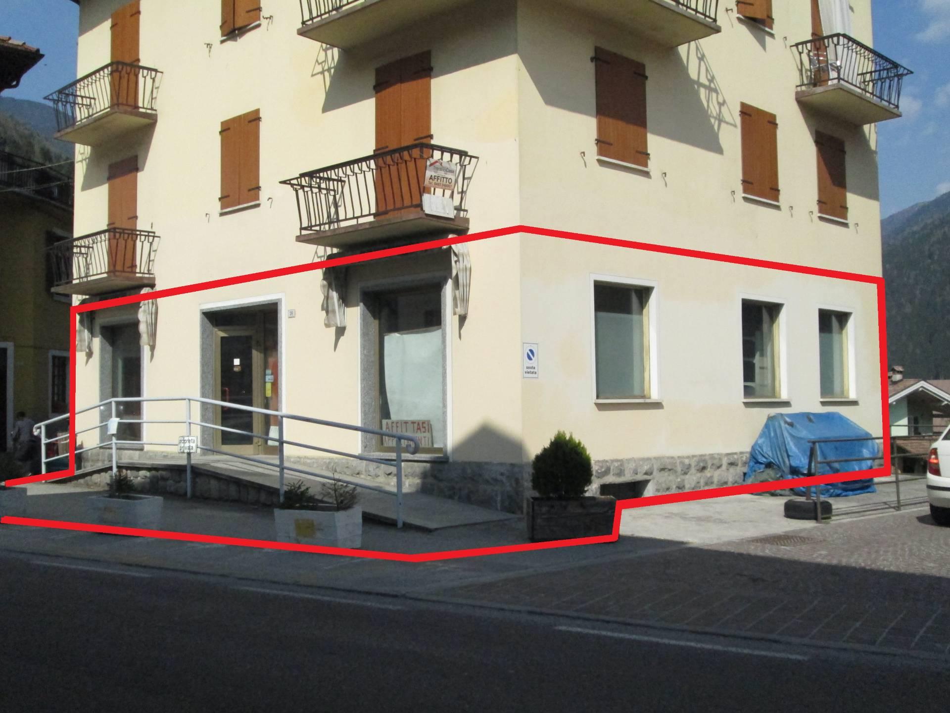 Negozio / Locale in affitto a Villa Rendena, 9999 locali, zona Zona: Iavrè, prezzo € 400 | CambioCasa.it