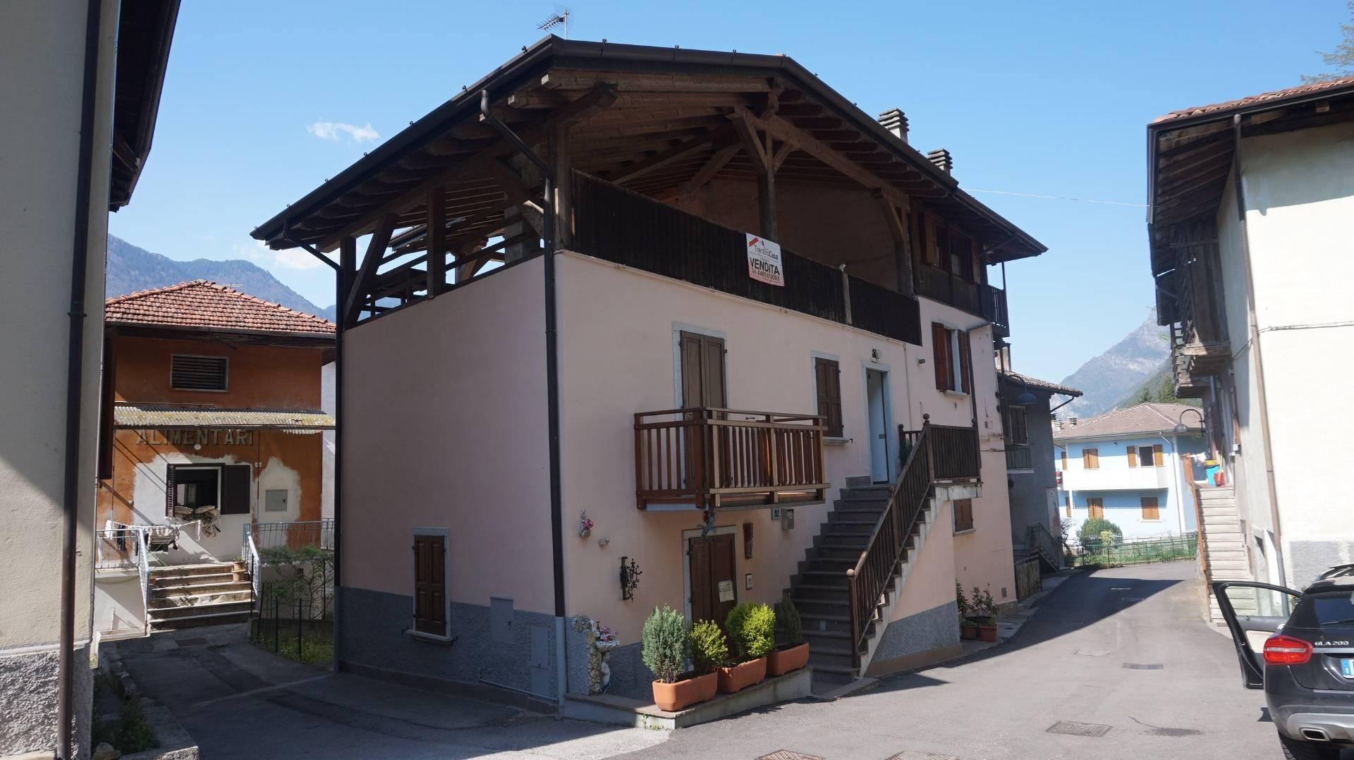 Appartamento in vendita a Bondone, 4 locali, zona Zona: Baitoni, prezzo € 45.000 | CambioCasa.it