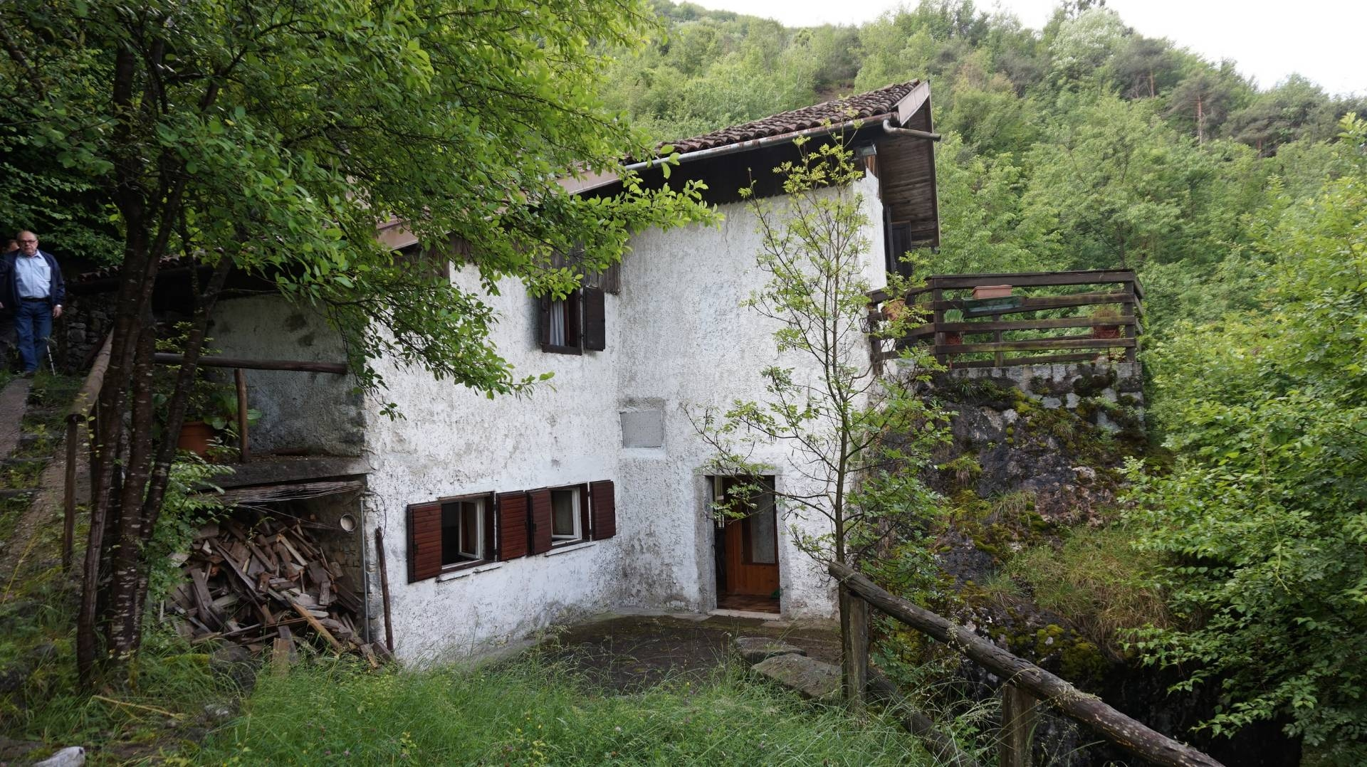 Rustico / Casale in vendita a Cimego, 4 locali, prezzo € 75.000 | CambioCasa.it