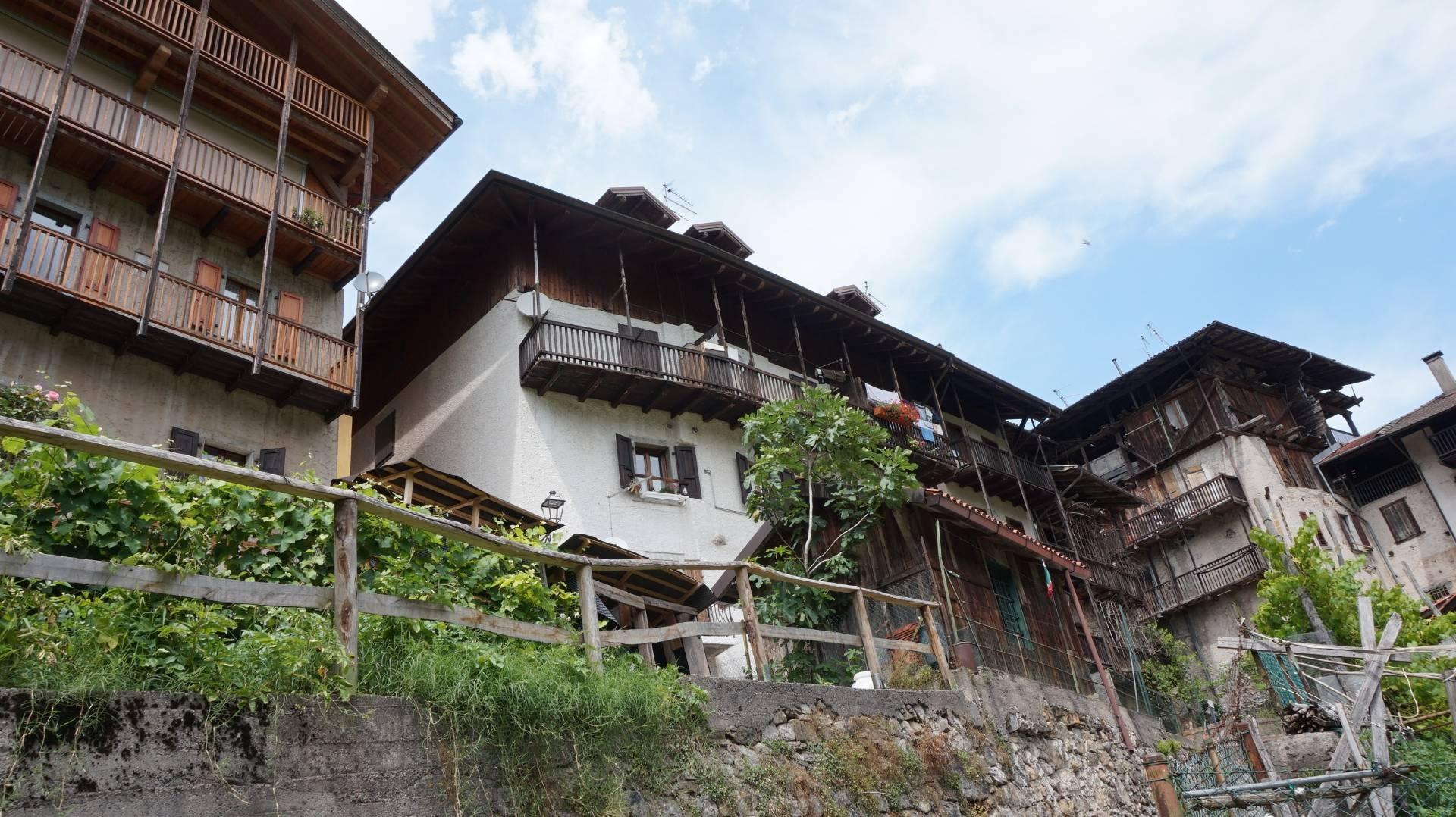 Appartamento in vendita a Cimego, 3 locali, prezzo € 70.000 | CambioCasa.it