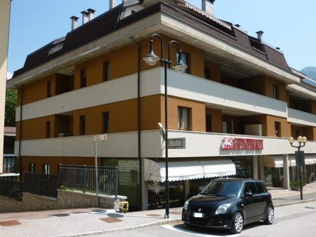Negozio / Locale in vendita a Tione di Trento, 9999 locali, prezzo € 115.000 | CambioCasa.it