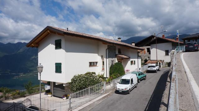Villa in vendita a Bondone, 10 locali, prezzo € 460.000 | CambioCasa.it