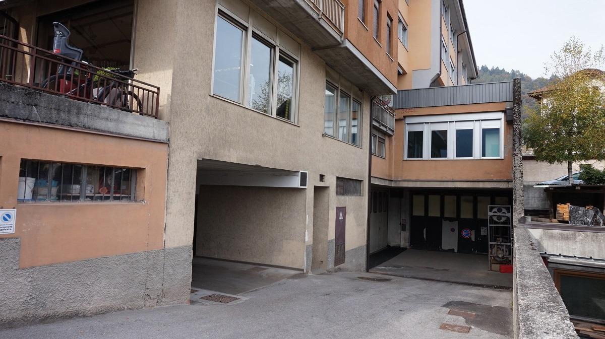 Box / Garage in affitto a Tione di Trento, 9999 locali, prezzo € 45 | CambioCasa.it