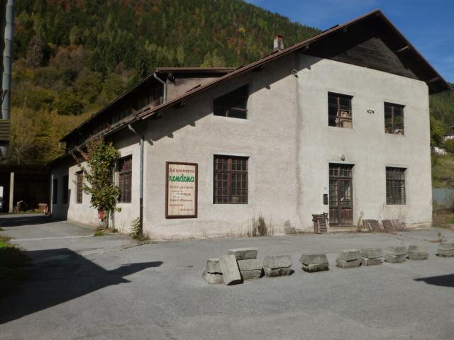 Capannone in vendita a Spiazzo, 9999 locali, zona Zona: Borzago, prezzo € 350.000 | CambioCasa.it