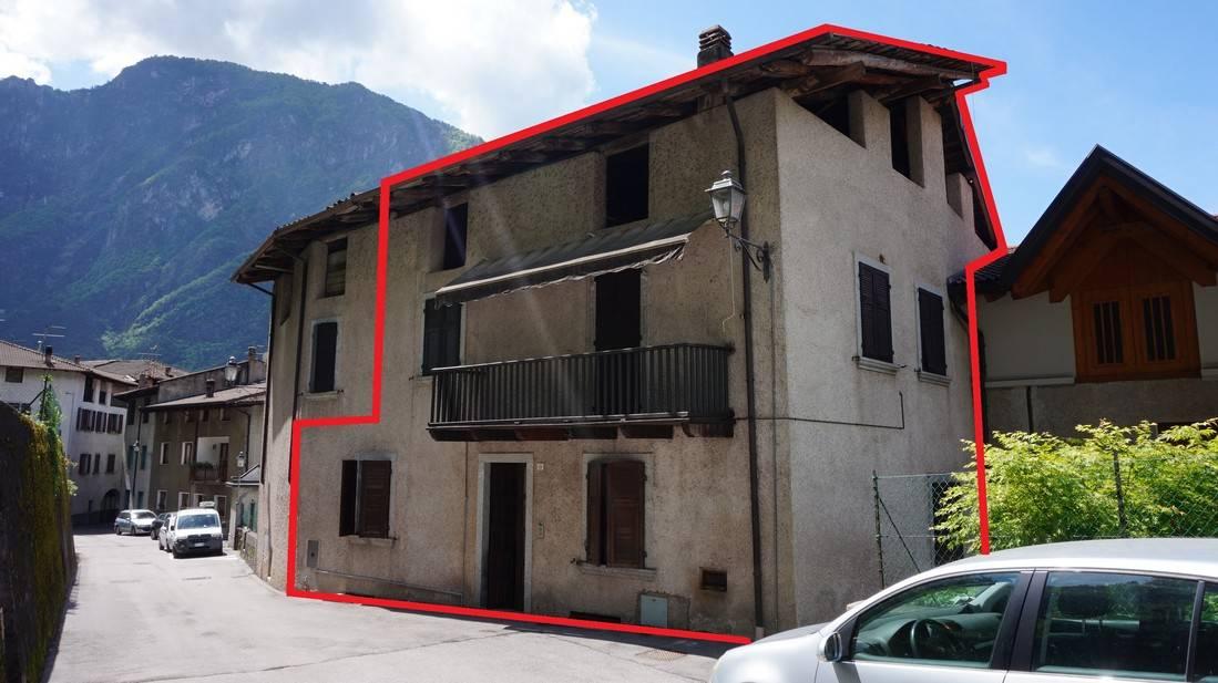 Porzione di Casa in vendita a Storo