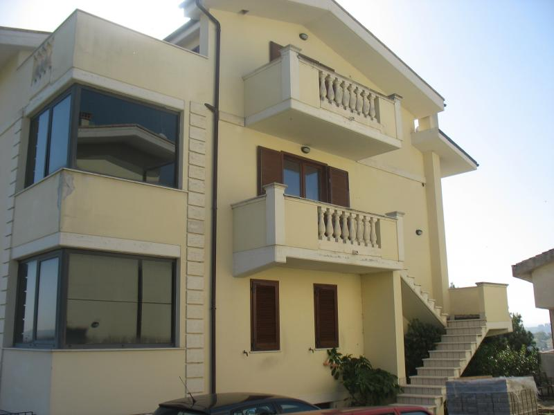 Appartamento in vendita a Spoltore, 5 locali, zona Località: CENTRO, prezzo € 165.000   PortaleAgenzieImmobiliari.it