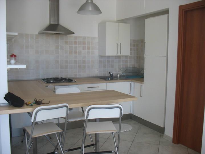 Appartamento in affitto a Spoltore, 2 locali, zona Località: CENTRO, prezzo € 385 | Cambio Casa.it