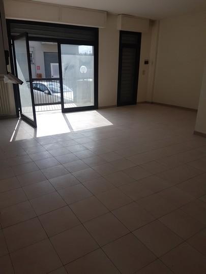 Negozio / Locale in affitto a Pescara, 9999 locali, zona Località: ZonaTiburtina, prezzo € 400 | CambioCasa.it