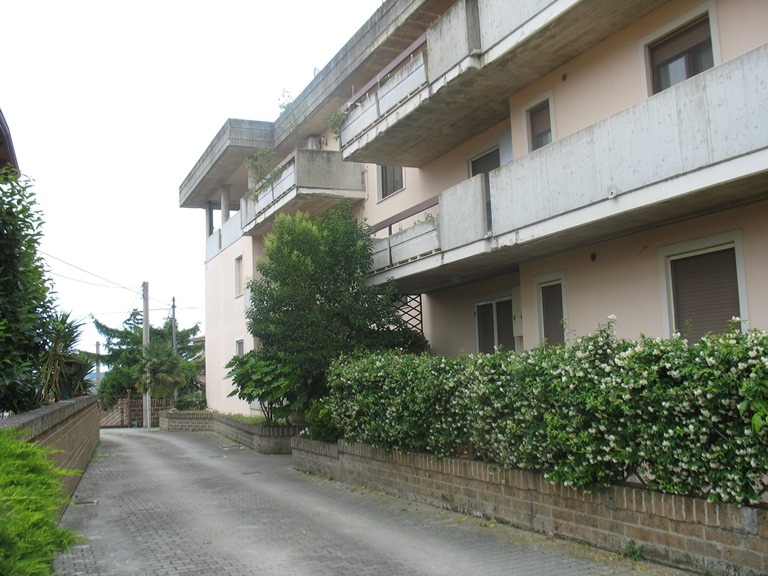 Appartamento in vendita a Pianella, 3 locali, zona Località: centro, prezzo € 109.000 | Cambio Casa.it