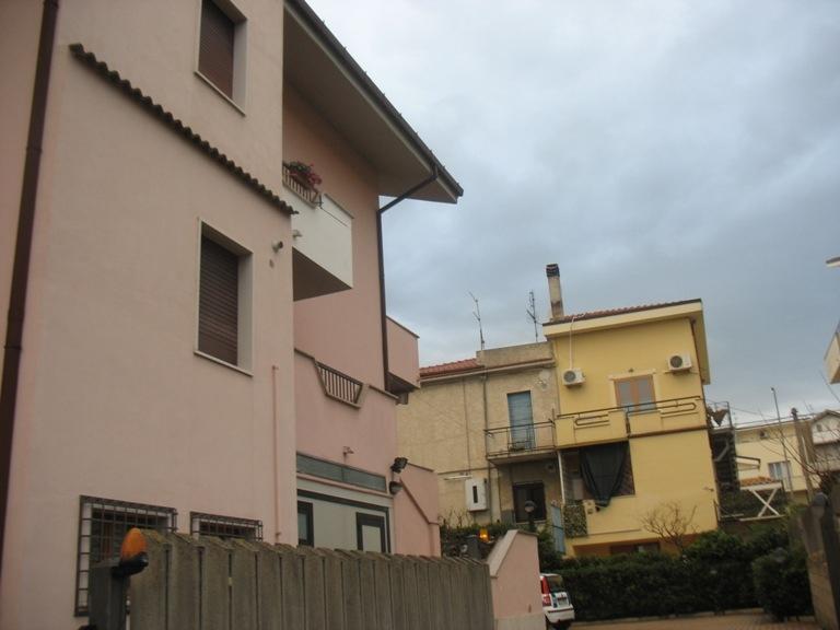 Appartamento in affitto a Spoltore, 6 locali, zona Località: VillaRaspa, prezzo € 550 | CambioCasa.it