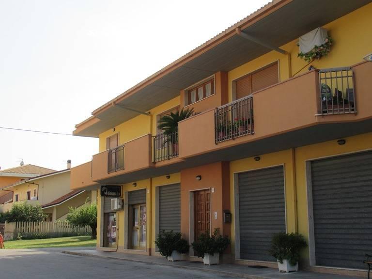 Appartamento in vendita a Loreto Aprutino, 5 locali, prezzo € 98.000   PortaleAgenzieImmobiliari.it
