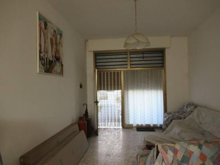 Negozio / Locale in vendita a Loreto Aprutino, 9999 locali, prezzo € 40.000 | CambioCasa.it