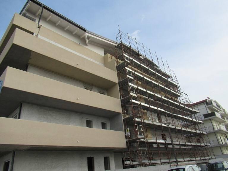 Appartamento in vendita a San Giovanni Teatino, 4 locali, zona Località: zonacommerciale, prezzo € 200.000   PortaleAgenzieImmobiliari.it
