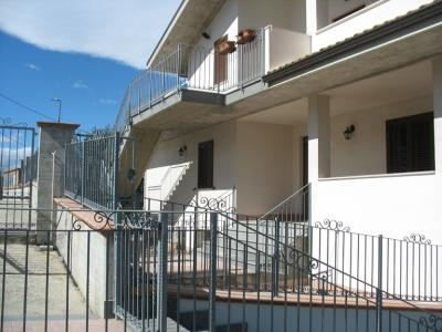 Trifamiliare in Vendita a San Giovanni Teatino