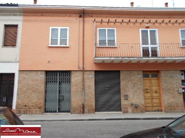 Ufficio / Studio in affitto a Portomaggiore, 9999 locali, zona Località: Portomaggiore, prezzo € 500 | CambioCasa.it