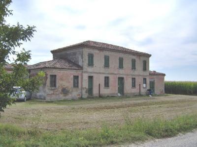 Podere (casa + terr.) in Vendita a Portomaggiore