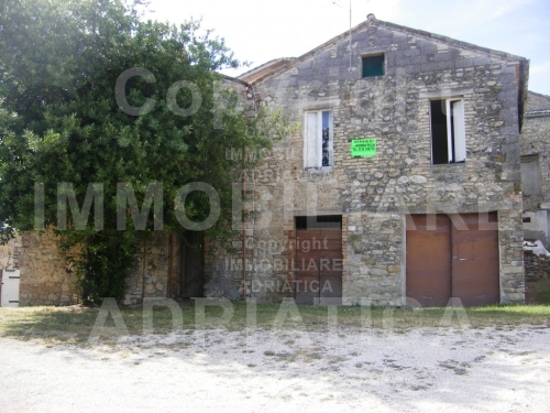 Rustico / Casale in vendita a Rotella, 1 locali, prezzo € 49.000 | CambioCasa.it