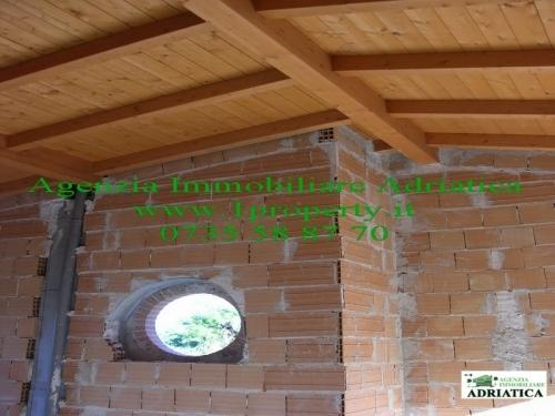 Villa san benedetto del tronto vendita 250 mq 21 04 2013 for Seminterrato finito rustico