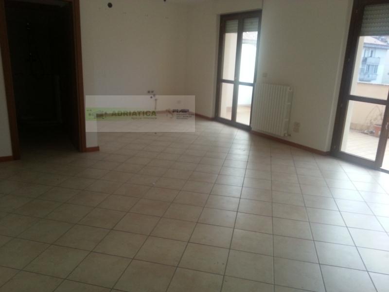 Attico / Mansarda in vendita a Grottammare, 3 locali, Trattative riservate | Cambio Casa.it
