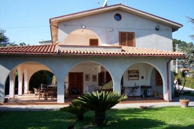 Villa in Vendita a Colonnella