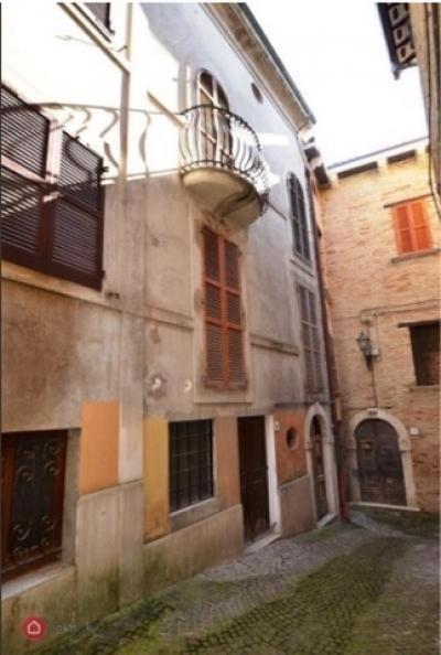 Casa singola in Vendita a Monsampolo del Tronto