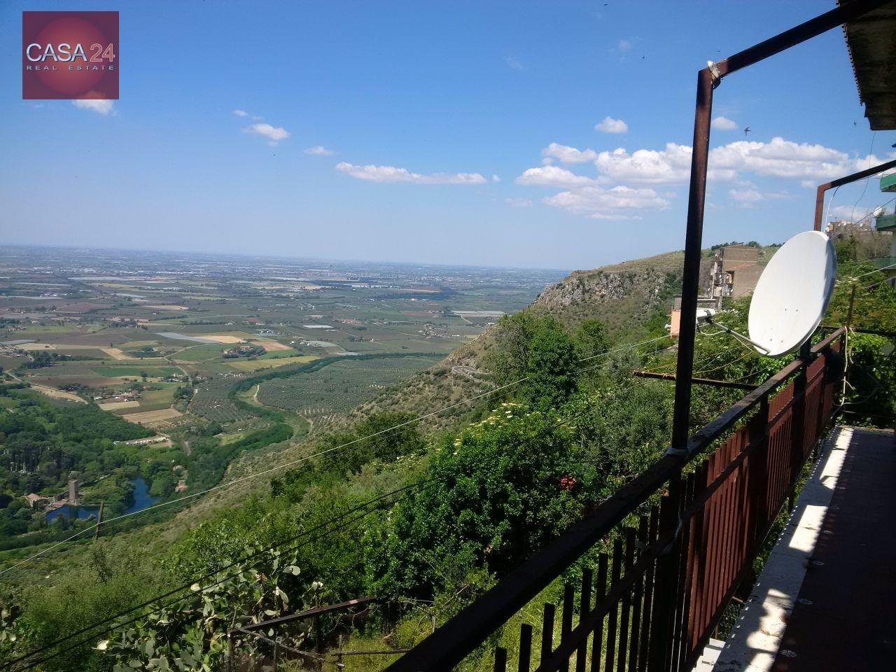 Appartamento in vendita a Norma, 4 locali, prezzo € 60.000   Cambio Casa.it