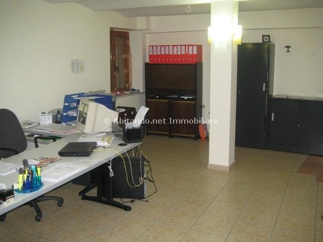 Ufficio / Studio in vendita a Penne, 9999 locali, prezzo € 32.000 | Cambio Casa.it