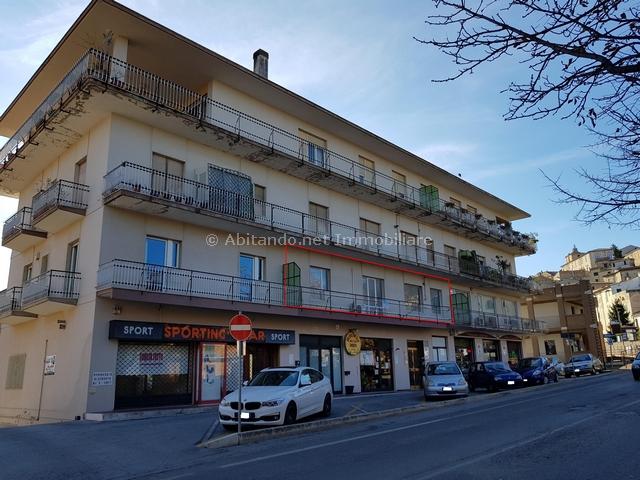 Appartamento in vendita a Penne, 3 locali, prezzo € 98.000 | CambioCasa.it