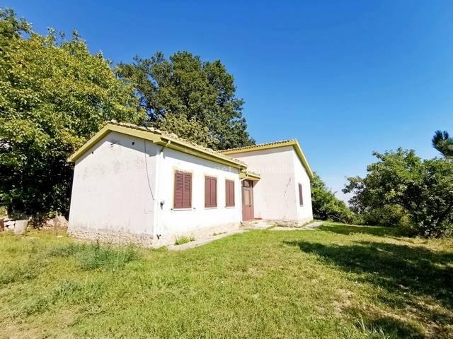 Soluzione Indipendente in vendita a Farindola, 4 locali, prezzo € 55.000 | PortaleAgenzieImmobiliari.it