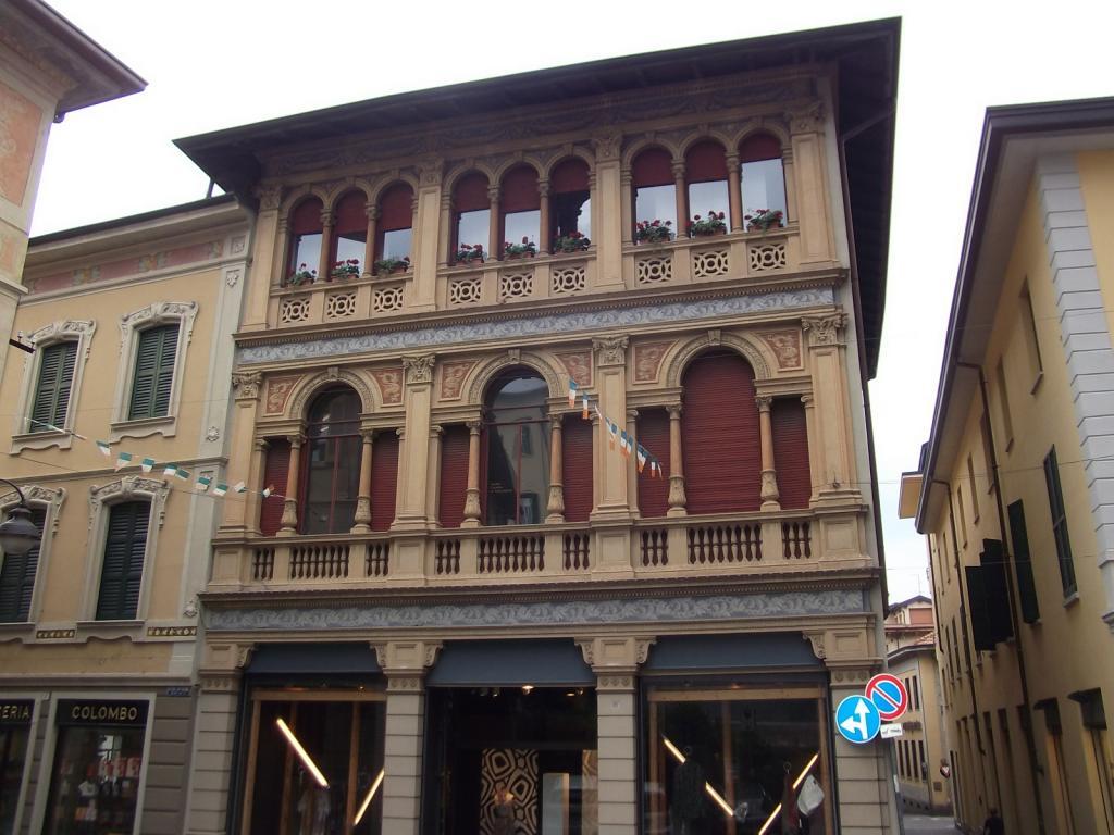 Agriturismo in vendita a Cantù, 3 locali, Trattative riservate | CambioCasa.it