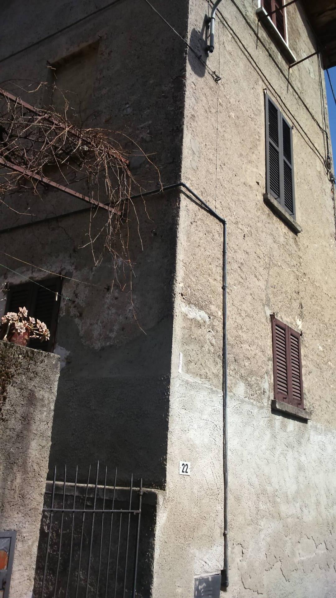 Soluzione Indipendente in vendita a Caslino d'Erba, 6 locali, prezzo € 65.000 | CambioCasa.it