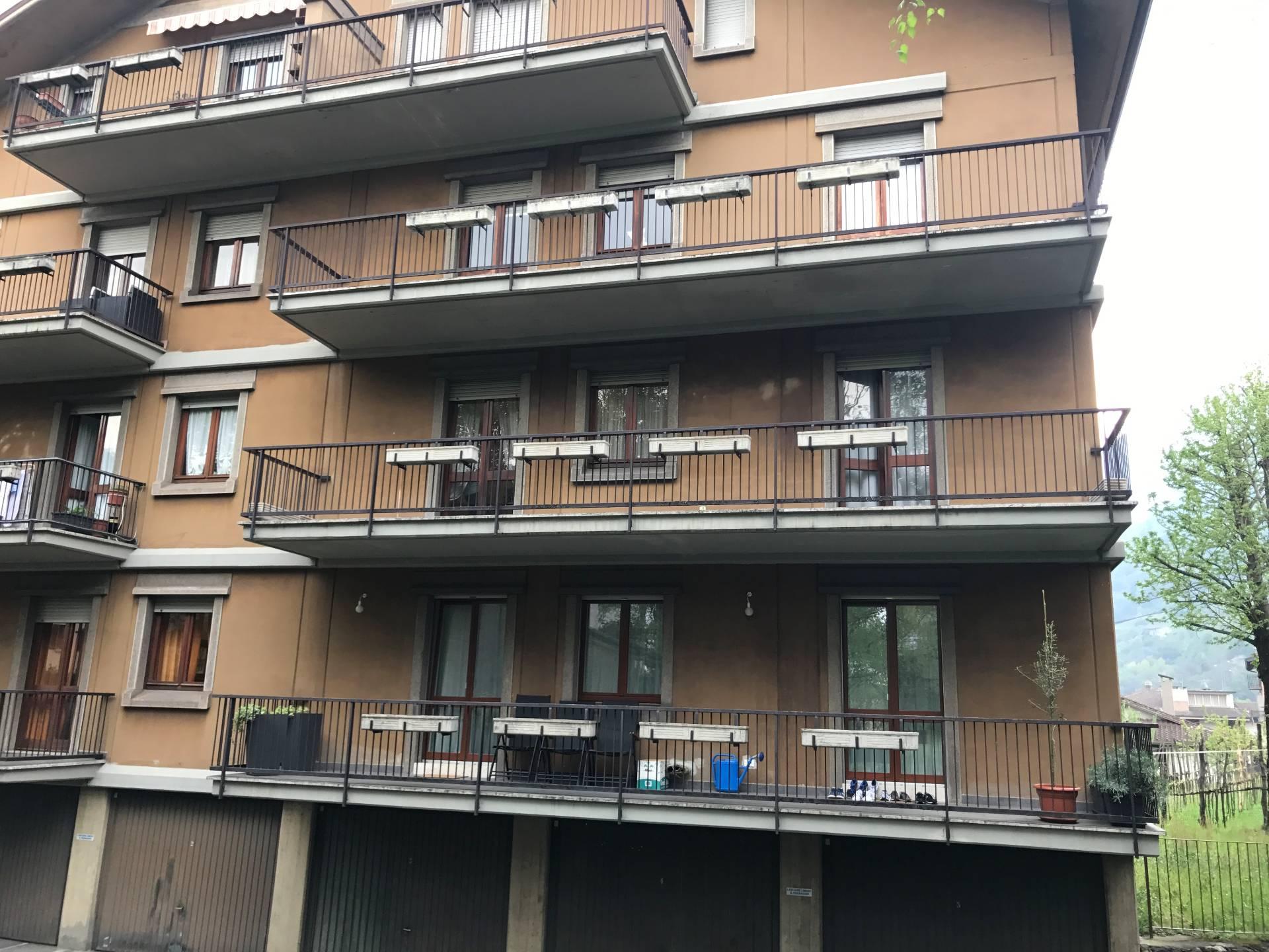 Appartamento in vendita a Breno, 7 locali, prezzo € 139.000   Cambio Casa.it