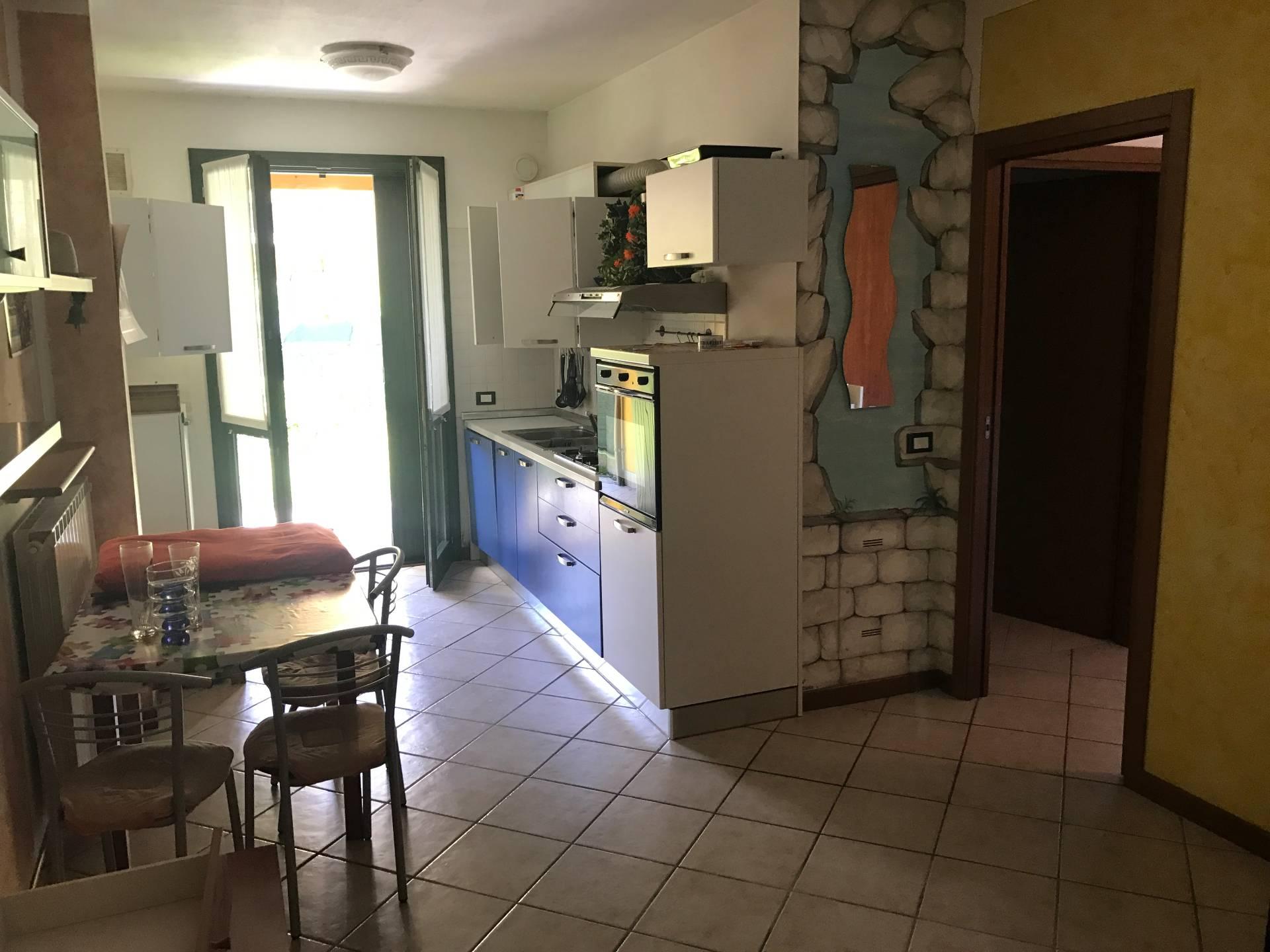 Appartamento in vendita a Esine, 3 locali, prezzo € 85.000 | Cambio Casa.it