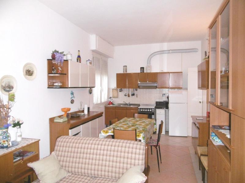 Appartamento in vendita a Lavagna, 4 locali, prezzo € 235.000   Cambio Casa.it