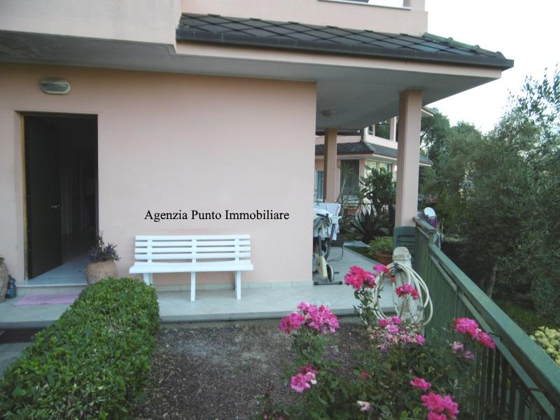 Appartamento in affitto a Chiavari, 3 locali, zona Località: caperana, prezzo € 550 | Cambio Casa.it