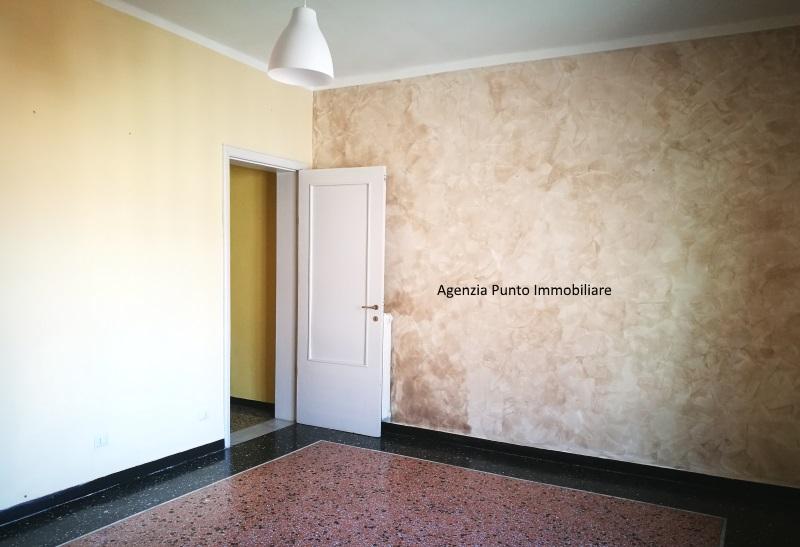Appartamento in vendita a Chiavari, 5 locali, zona Località: centrolevante, prezzo € 260.000   CambioCasa.it