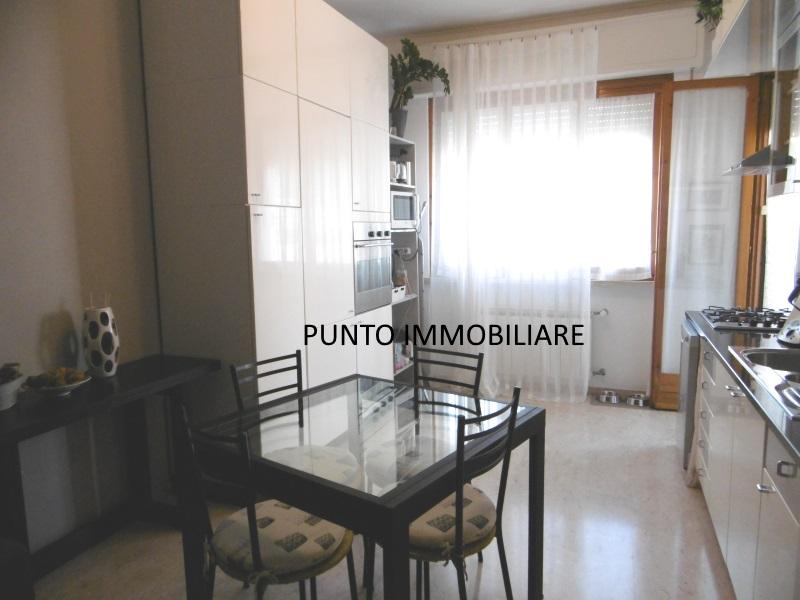 vendita appartamento chiavari san pier di canne  220000 euro  4 locali  75 mq
