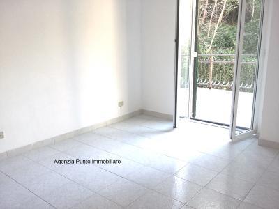 Appartamento in Affitto a Mezzanego