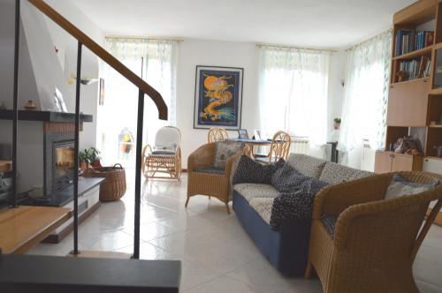 Casa Bifamiliare in Vendita a San Colombano Certenoli
