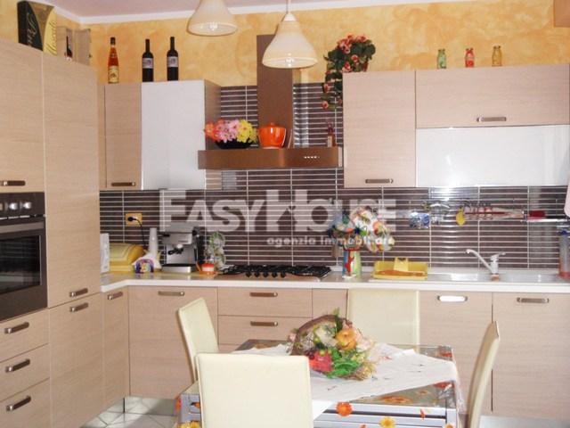 Appartamento in vendita a Loro Ciuffenna, 3 locali, prezzo € 110.000 | PortaleAgenzieImmobiliari.it