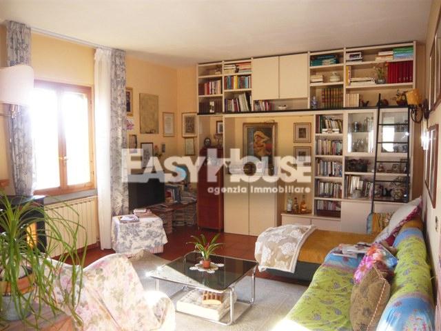 Appartamento in vendita a Loro Ciuffenna, 5 locali, zona ro, prezzo € 215.000 | PortaleAgenzieImmobiliari.it