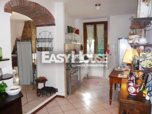 Appartamento in vendita a Loro Ciuffenna, 5 locali, zona Località: SanGiustinoValdarno, prezzo € 80.000   PortaleAgenzieImmobiliari.it