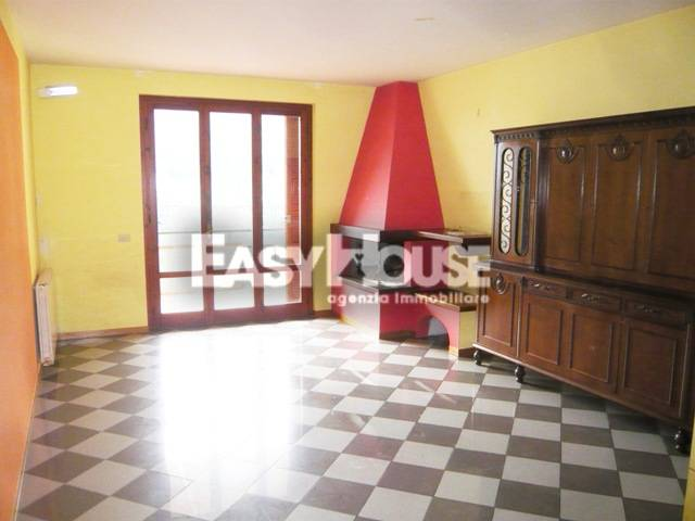 Appartamento in vendita a Loro Ciuffenna, 5 locali, prezzo € 215.000 | PortaleAgenzieImmobiliari.it